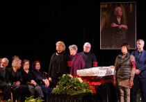 Член Московской Хельсинской группы Валерий Борщев сообщил, что урна с прахом правозащитницы Людмилы Алексеевой будет захоронена не в России, а в США