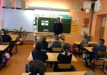 Подвиг Вани Крапивина вспомнили на уроке мужества в Белгороде