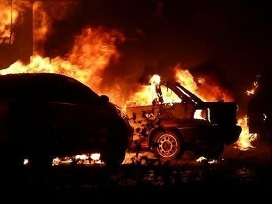 В Тамбовской области сгорел автосервис с шестью автомобилями
