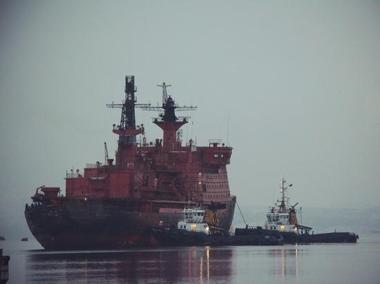 Списанный атомный ледокол «Арктика» доставлен на место разделки