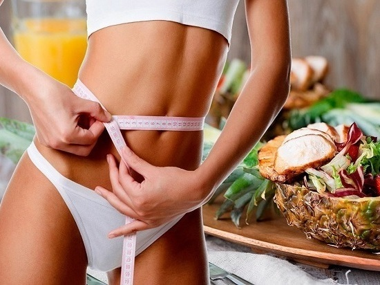 Чем грозит лишний вес и как не набрать лишние килограммы в праздники