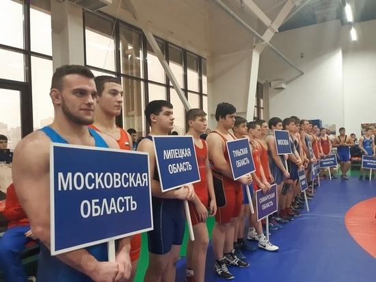 Тамбовчане завоевали четыре медали на всероссийском турнире по греко-римской борьбе