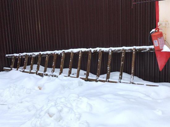 Обкидывали снежками окна: подробности кражи у тренера сборной по фехтованию