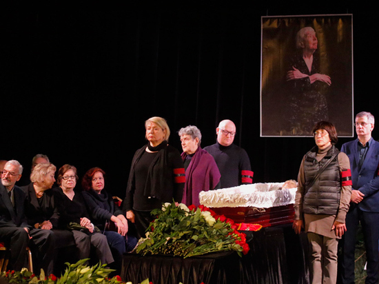 Прах Людмилы Алексеевой будет захоронен в США