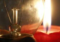 Соцобъекты на генераторах, школьники - дома: в Крыму восстанавливают энергоснабжение
