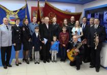 В Екатеринбурге торжественно вручили паспорта новым россиянам