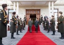 Начальник Генерального штаба Вооруженных сил России генерал армии Валерий Герасимов в среду, 12 декабря, встретился с Верховным главнокомандующим объединенными вооруженными силами НАТО генералом Кертисом Скапарротти