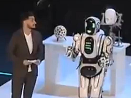 Показанный на российском ТВ робот Борис оказался живым человеком