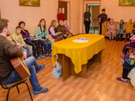 Суздальский дом-интернат посетили волонтеры