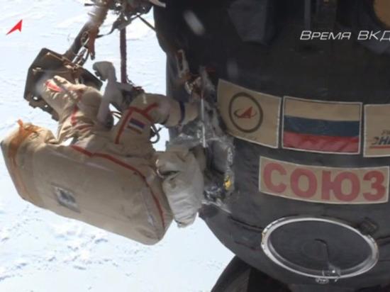 Космонавт Кононенко сравнил отверстие в «Союзе МС-09» с расползшимся пауком
