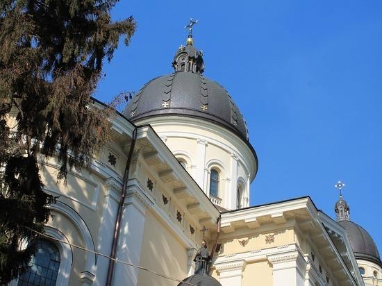 Священники украинских церквей побили друг друга в алтаре