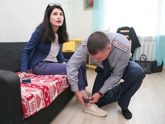 По следам Евгении Васильевой: «Спрятала модные сапоги под домашним арестом»