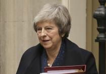 Мэй решили убрать, но она устояла: Британию раздирают из-за Brexit
