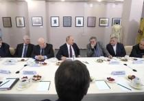 Встреча с режиссерами столичных и провинциальных театров наверняка заставила Владимира Путина испытать эффект дежа вю