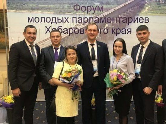 В Хабаровске молодые депутаты научились добиваться целей