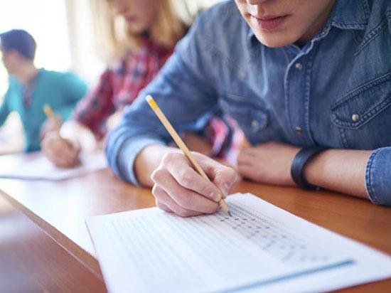 Экзамены сдают хуже, но волноваться не стоит