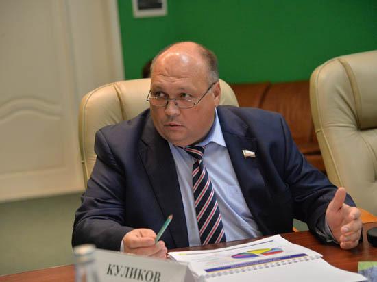 Министры областного правительства - в центре скандалов