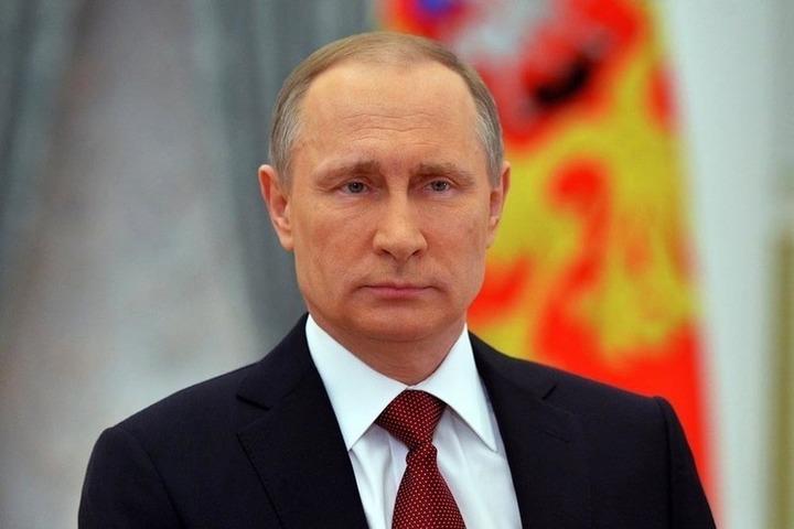 Путин начал вбухивать триллионы в экономику, но успеха не добьется, пишут французские СМИ