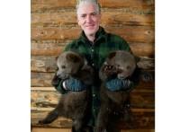 Британский документалист снял фильм о спасении медвежат в Тверской области