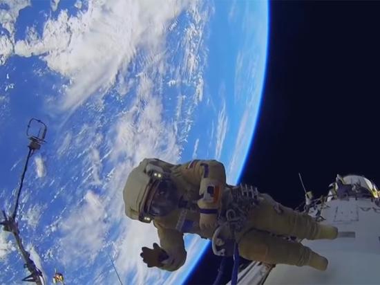 Русские космонавты отыскали «дыру» в«Союзе МС-09» при вскрытии обшивки