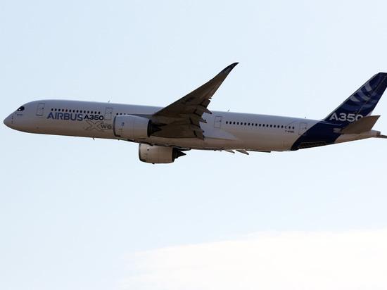 Пассажирский самолет ударился хвостом о взлетную полосу в Уфе