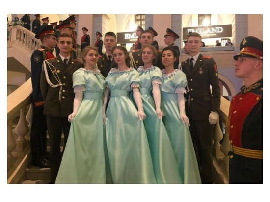 Кадеты из Серпухова побывали на Кремлевском балу в Москве