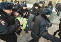Человек-огурец стал новым лицом российской оппозиции