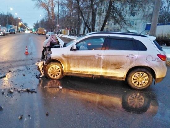 В Тамбове столкнулись четыре иномарки: двое в больнице