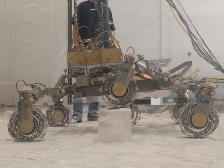«ЭкзоМарс» готовят к невыполнимой миссии: докопаться до следов жизни
