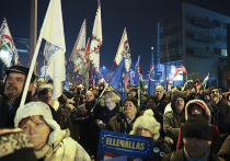 В Венгрии начались массовые протесты против