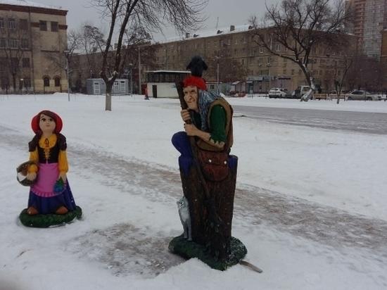 Сказочные герои поселились на аллеях детского парка в Ворошиловском районе