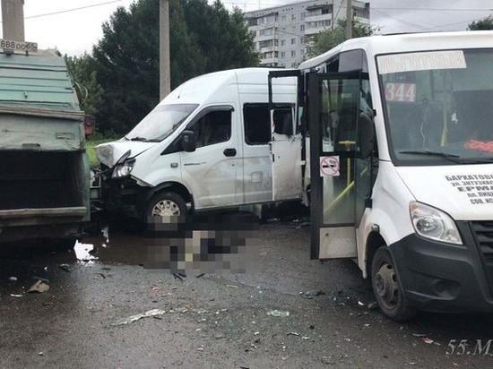 Омичам, пострадавшим в столкновении двух маршруток и мусоровоза, выплатили 7 млн
