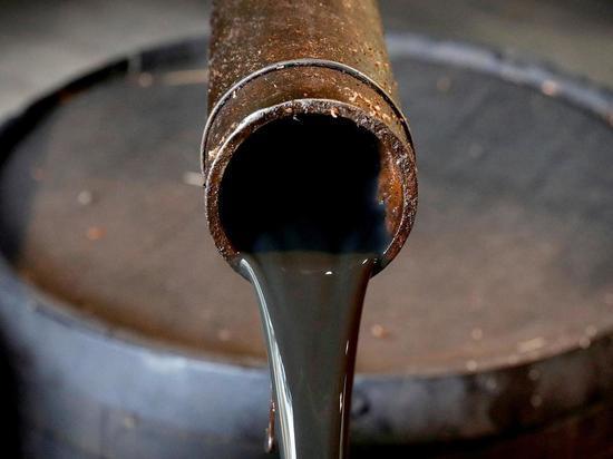 Нефть продолжает падение, Brent опустилась до $58,8