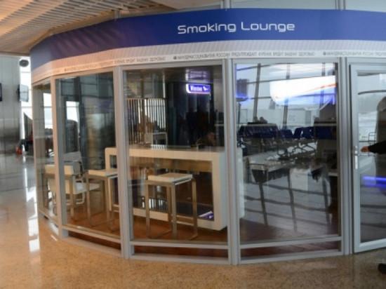 """Правительство вернет """"курилки"""" в аэропорты: кому это выгодно"""