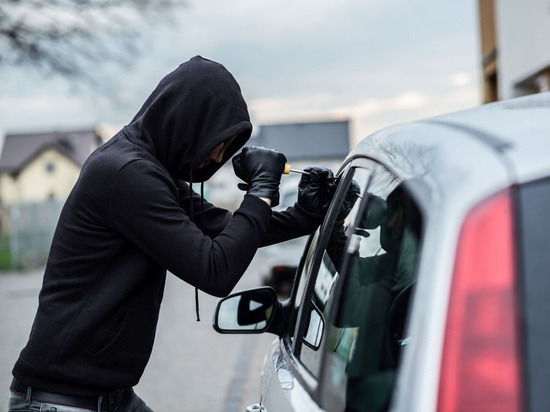Двух угонщиков автомобилей задержали полицейские Чувашии за сутки