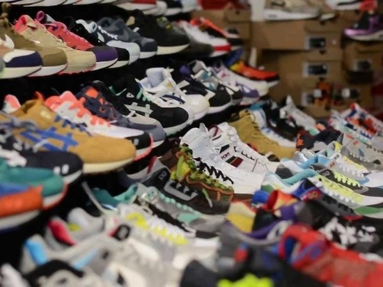 В Тамбове продавали контрафактные кроссовки известных спортивных брендов