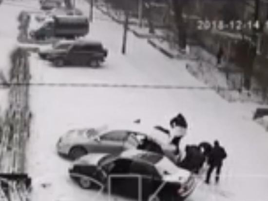 Видео избиения 13-летнего подростка полицейскими прокомментировали в МВД