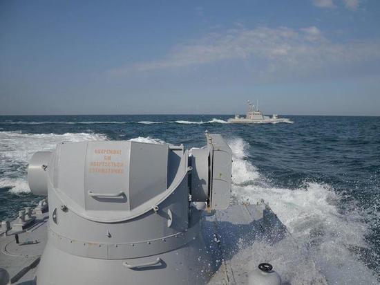 Украина решила посоперничать с Россией в Азовском и Черном море