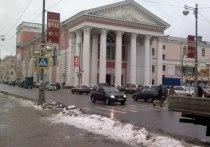 Суворовцы перекрыли в Твери Театральную площадь