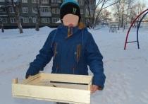 Продавец киоска сломал палец заринскому мальчику-инвалиду