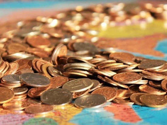 Экономистов взволновала судьба доллара в России: за наличность стоит опасаться