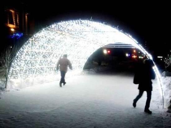 В Омске установили световую «арку желаний»