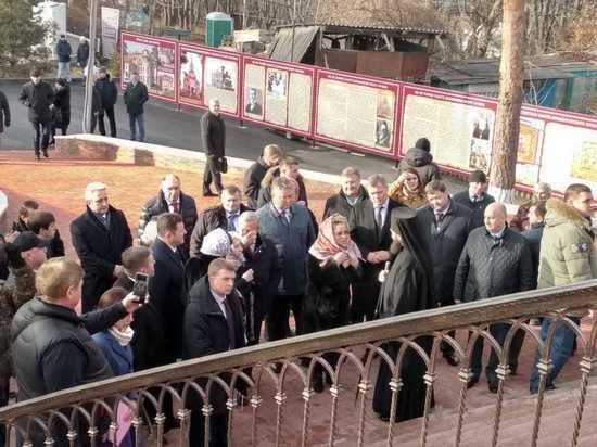 Валентина Матвиенко прилетела на КМВ на открытие памятника Солженицыну