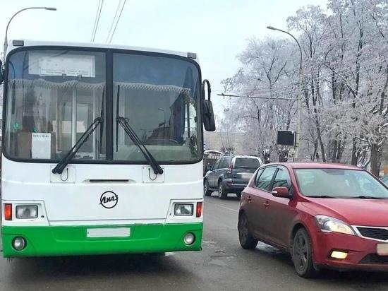 В Тамбове пенсионерка попала в больницу после поездки в троллейбусе