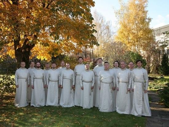 Рождественские колядки от Праздничного мужского хора Свято-Данилова монастыря