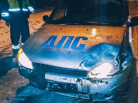 В Выборге пьяный подросток на джипе протаранил машину ДПС