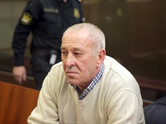 Водитель автобуса, въехавшего в подземный переход, задрожал в суде