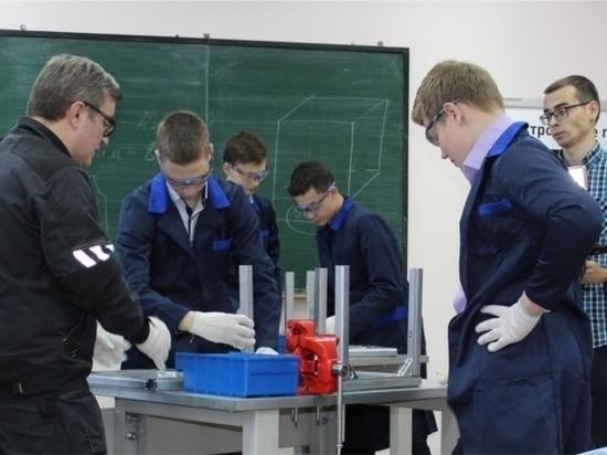 В техникумах и колледжах Чувашии проходят мастер-классы для школьников