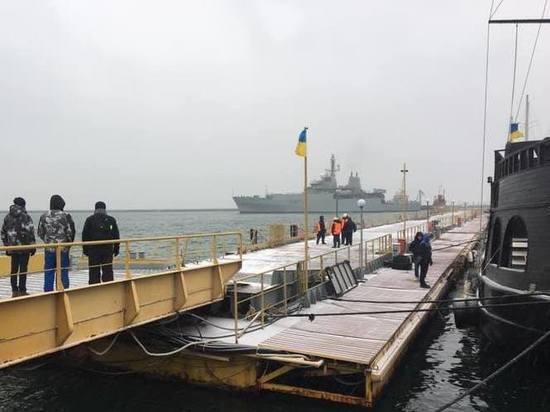 Добравшийся до Украины британский корабль-разведчик готовится к маневрам