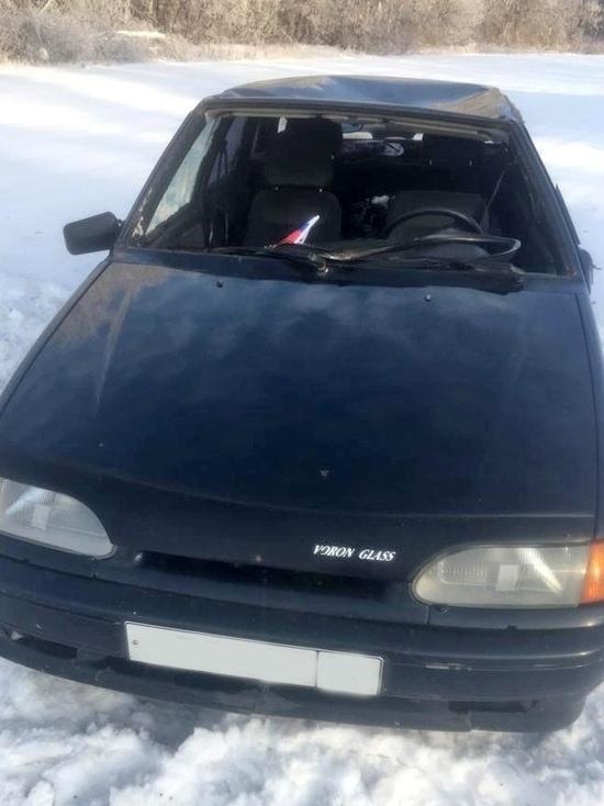 В Знаменском районе женщина за рулем ВАЗа превернулась в кювет